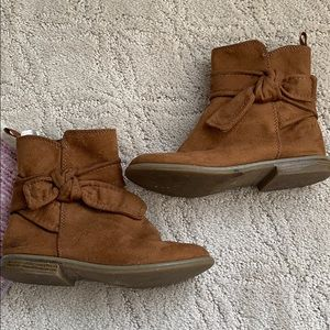 Suede brown ankle boots